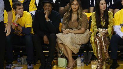 """Vrouw volgde NBA-finals naast Beyoncé en Jay-Z. Na de match kreeg ze doodsbedreigingen: """"Probeerde een goede gastvrouw te zijn"""""""