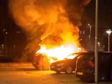 Dat is nummer 69: wéér een auto in brand gestoken in Arnhem