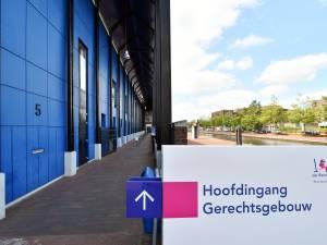 Enschedese doodsbedreiger (57) laat zijn rechtszaak links liggen: 'Ik snap er niks van'