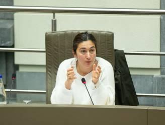 Kritiek op clausule over juridische stappen tegen compensatieregeling digitale meter