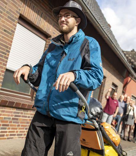 Daan (24) loopt 2.000 kilometer lange tocht naar Compostella in z'n eentje