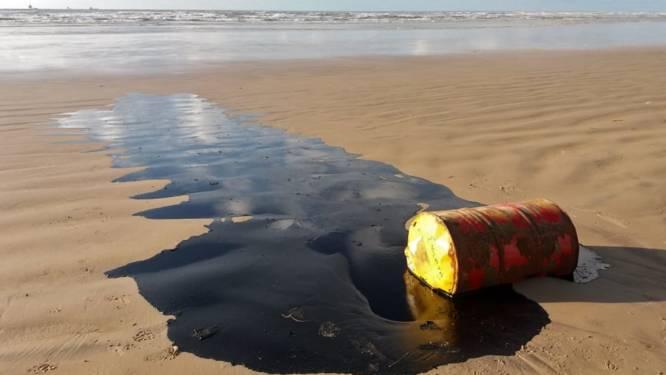 Tonnen aan olie opgeruimd op stranden Brazilië