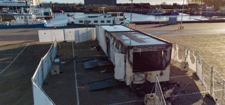 Politie krijgt vijf tips over brandstichting coronateststraat Urk