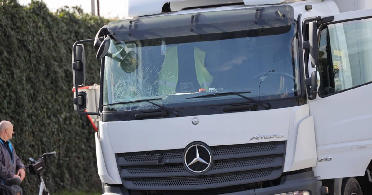 Man komt voor ogen van zijn vrouw om het leven bij ongeluk met vrachtwagen.