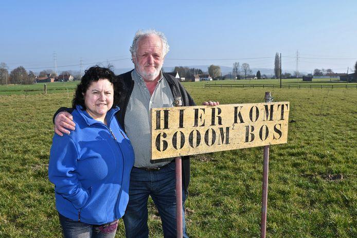 Ivo Beunens en Annie Sobry hebben een bos van 6.000 vierkante meter laten planten op zijn privé-terrein in de Kaphoekstraat.