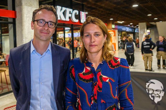 Martin Oppenheimer hoofd van financiën en ontwikkeling en Susan Vreugdenail operationeel verantwoordelijke voor KFC in Noord-Europa