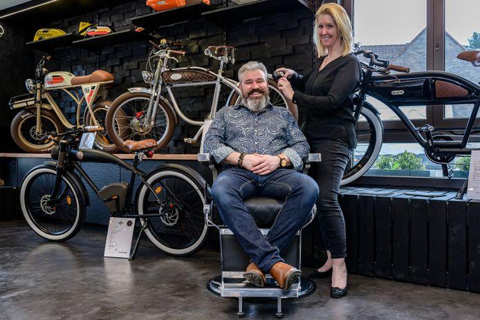 """De E-bikes  en het kapsalon laten Mieke en Jerry achter. Hen wacht een nieuw leven in Spanje. """"Veel sneller dan verwacht"""", klinkt het."""