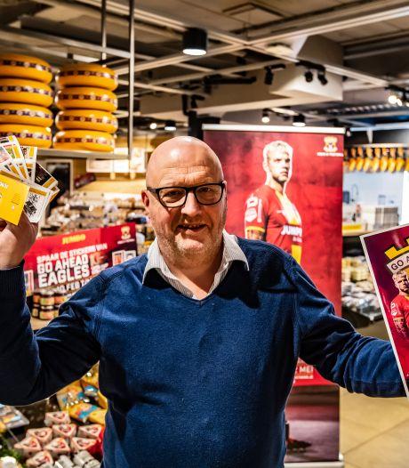 Deventer is twaalf weken in de ban van voetbalplaatjes van Go Ahead Eagles: 'Heb jij Jannie al?'