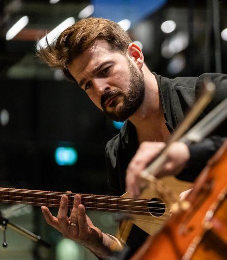 Componist in coronatijd Orkun Aĝir: 'Het voelt alsof ik uit de flow geworpen ben'