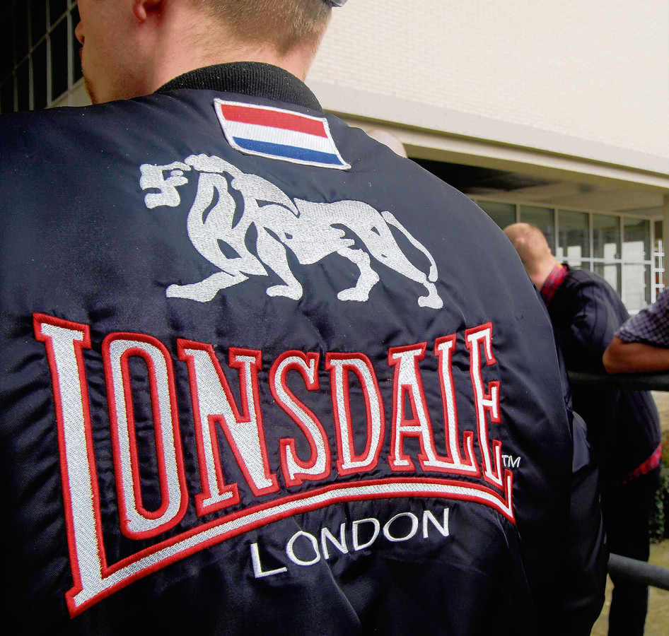 Skinheads droegen dik tien jaar geleden graag kleding van Lonsdale. Het merk was er niet blij mee.