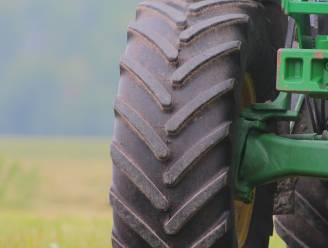 13-jarige landbouwerszoon volgt tractor van vader achter stuur van bestelwagen: 600 euro boete