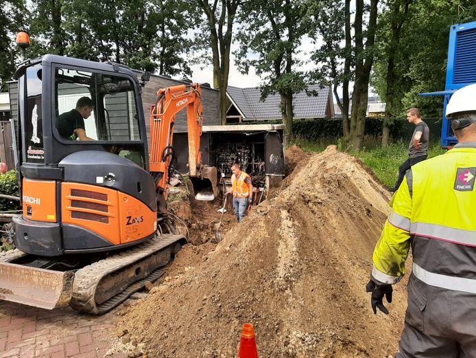 Werkzaamheden bij het transformatorhuisje in Heesch.