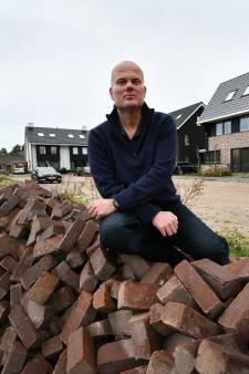 Bewoners wijk Overberg zijn wachten op straatlantaarns beu: 'We zien niets'