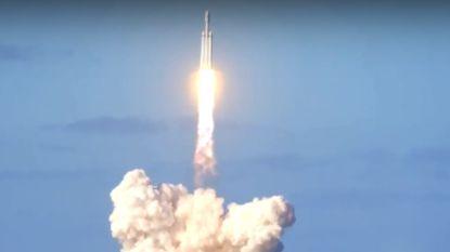 Elon Musks krachtigste draagraket ter wereld met succes gelanceerd: beleef het hier opnieuw