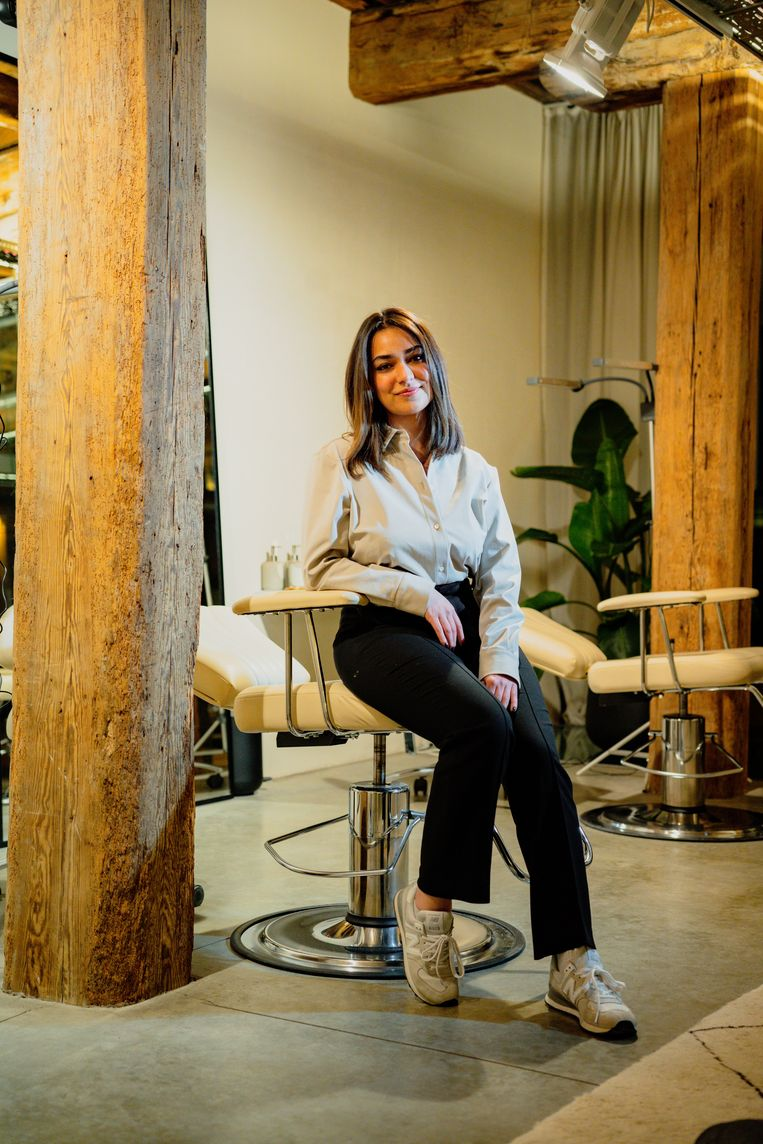 Myriam Ayari: 'Mijn voornemen is: strijdvaardig blijven. Proberen de voordelen van dit nadeel in te zien.' Beeld Wouter Van Vooren