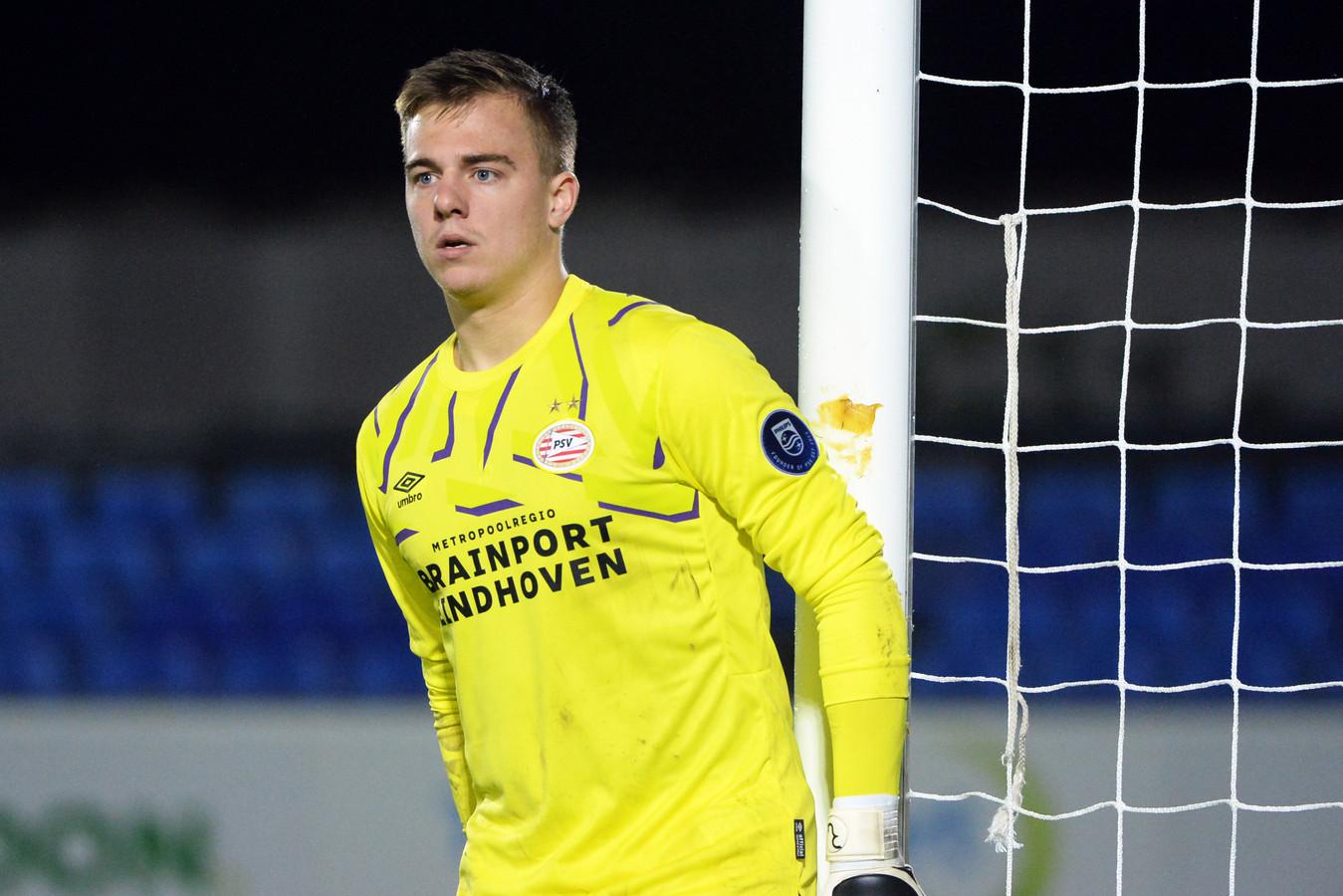 Youri Roulaux verdedigt het doel van Jong PSV. Komende zomer is hij transfervrij.