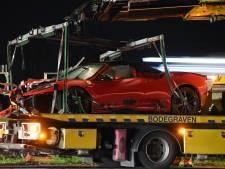 Peperdure Ferrari in de prak na ongeval op A12