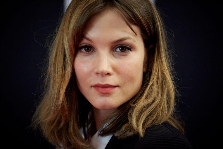 De Nederlandse Sylvia Hoeks vertolkt de hoofdrol in de verfilming van het leven van haar landgenote Sylvia Kristel (1952-2012).