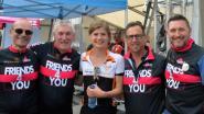 Vrienden fietsen 10.000 euro tegen kanker bij elkaar