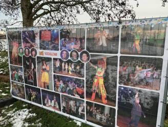 """Gestolen carnavalsbanner beschadigd teruggevonden in een veld in Boekhoute: """"We zijn enorm teleurgesteld"""""""