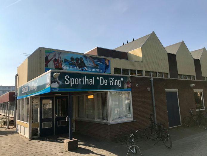 Op de plek van sporthal De Ring en zwembad Akwamarijn aan de Thorbecksestraat in Zaltbommel komen huizen. Omwonenden mogen meedenken over het plan.