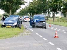 Kettingbotsing in Oeffelt: alleen schade aan voertuigen
