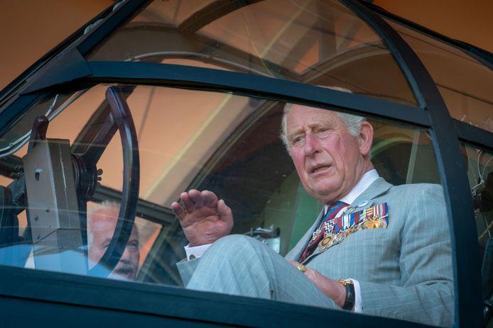 Prins Charles bekijkt  de Horsa.