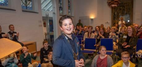 Steyn Almekinders bedenkt Kapelle-app en wordt daarmee de nieuwe kinderburgemeester
