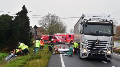 Vrouw zwaargewond na ongeval met vrachtwagen