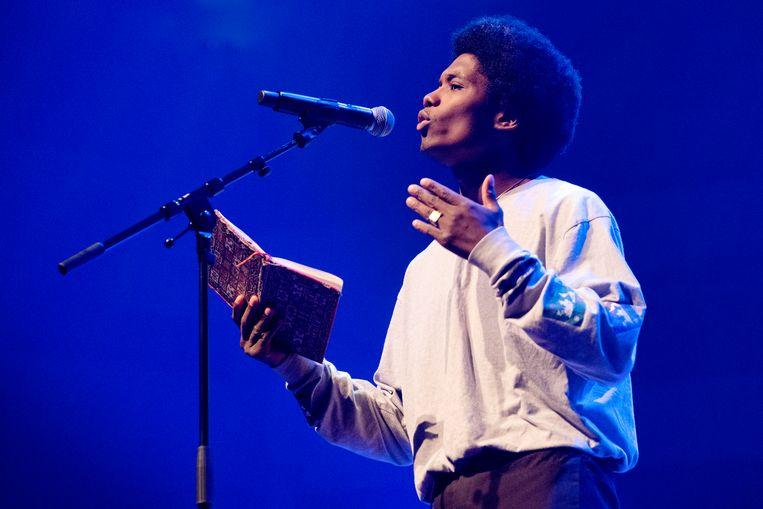 Lemuël de Graav verloor vorig jaar in de finale van het NK Poetry Slam van Martje Wijers. Beeld Patrick Post