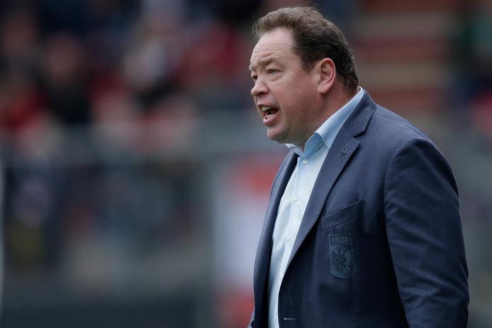 Leonid Sloetski straalt ergernis uit bij Vitesse in het duel met FC Emmen.