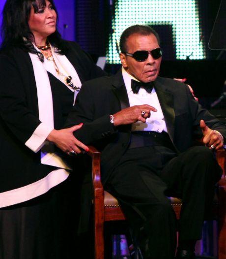 Muhammed Ali in ziekenhuis met longontsteking