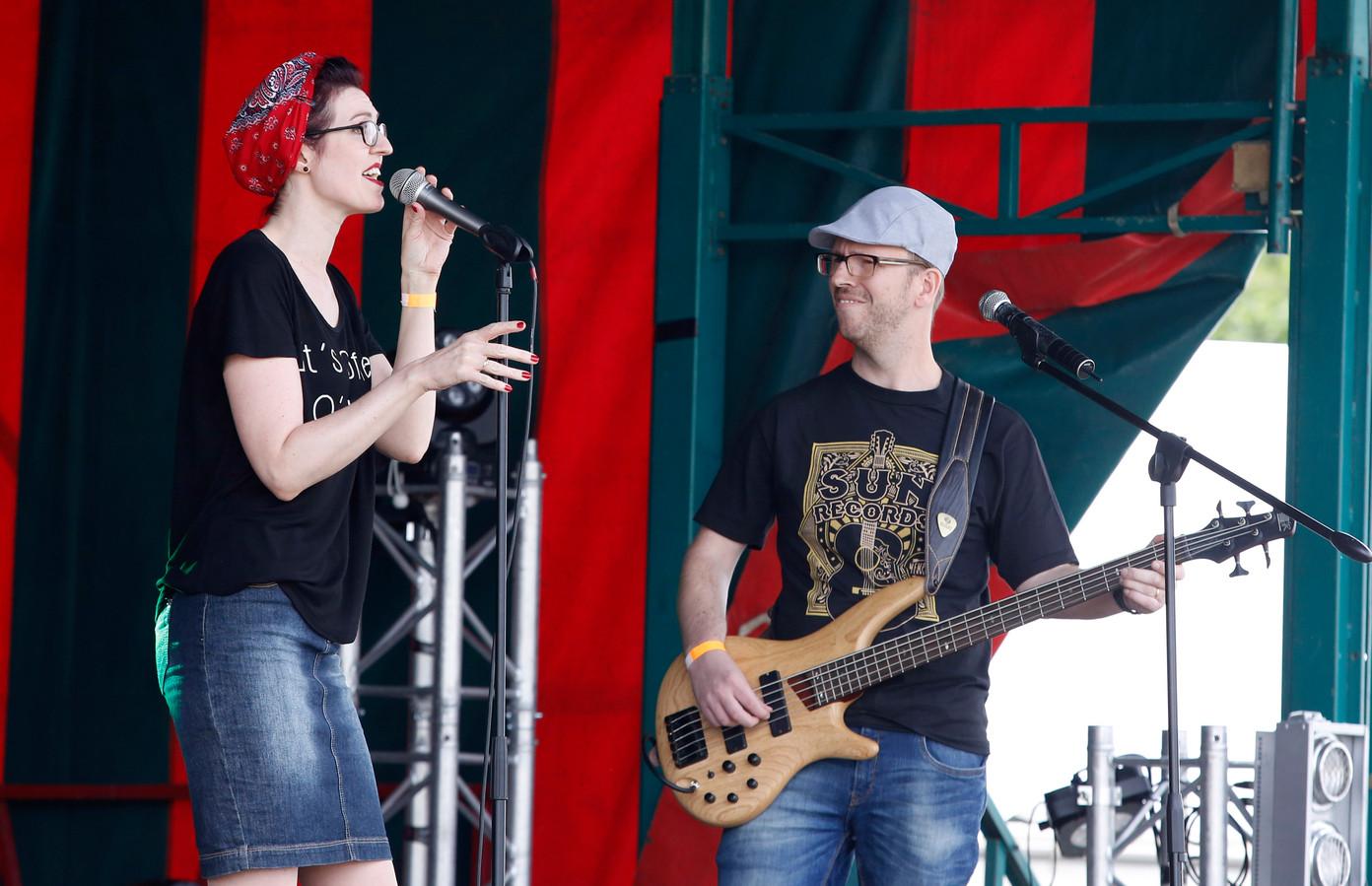 Optreden van CoffeeVille tijdens festival Vliet