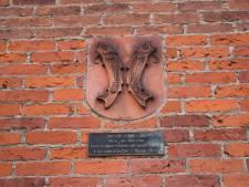 Mysterie opgelost: dit betekenen de kabeljauwen op 't Hooge Huys in Alkmaar