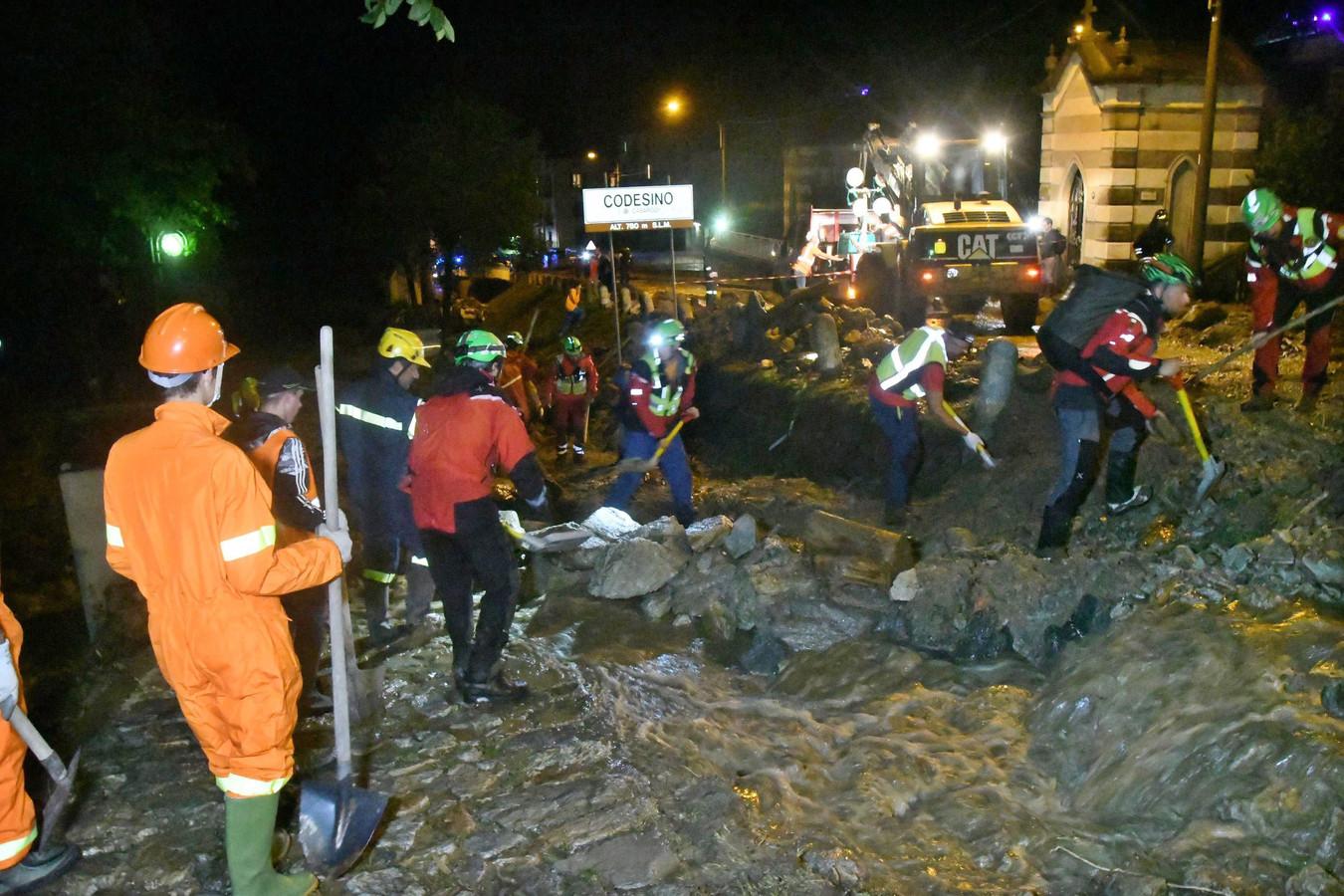 Vijftig mensen zijn om veiligheidsredenen geëvacueerd in Casargo, Italië.