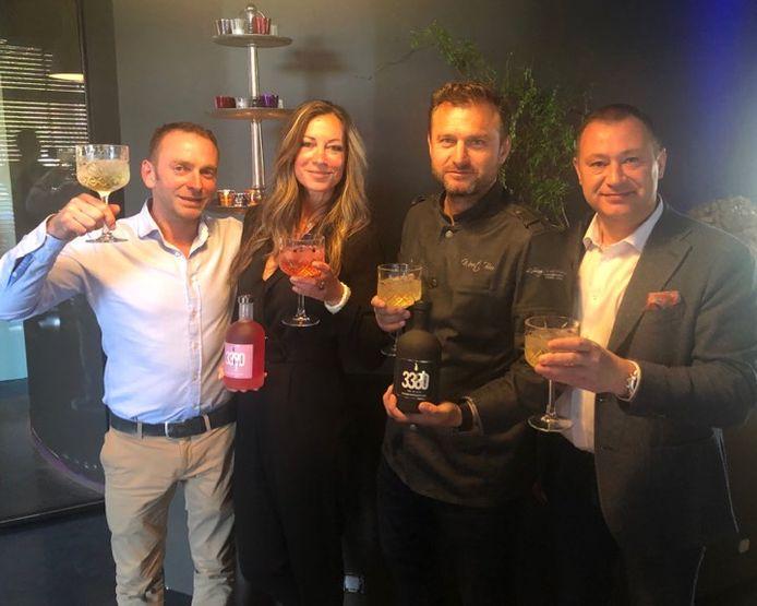 Topkok Wout Bru samen met de burgemeester, schepen Tom Struys en Katrien Vanherck (alle drie Dorpspartij)