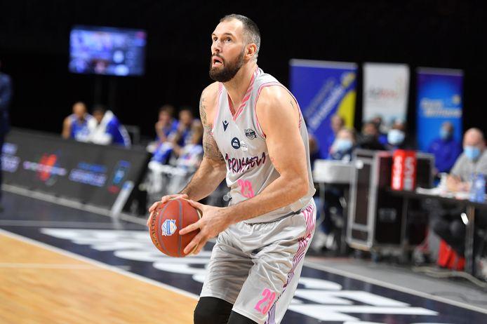 Stéphane Moris hoopt dit seizoen nog te kunnen spelen voor Brussels.