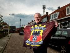 Deventer zee aan rood en geel voor 'Kowet' tijdens de voetbal? 'Ik ken geen andere stad die tegenstander zo begroet'