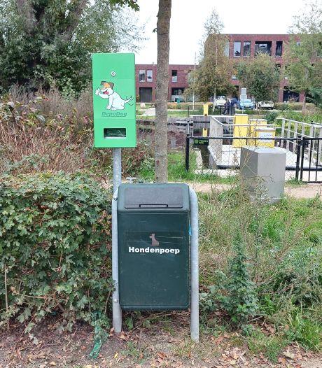 Tilburg: hondenbezitter zélf verantwoordelijk voor zakjes