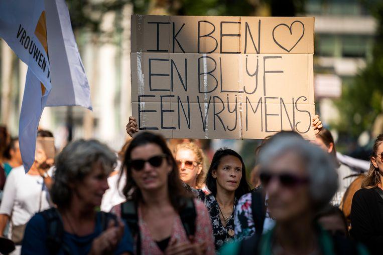 Vrouwen voor Vrijheid organiseerde een vrouwenmars in het centrum van Utrecht om te protesteren tegen de spoedwet.  Beeld ANP