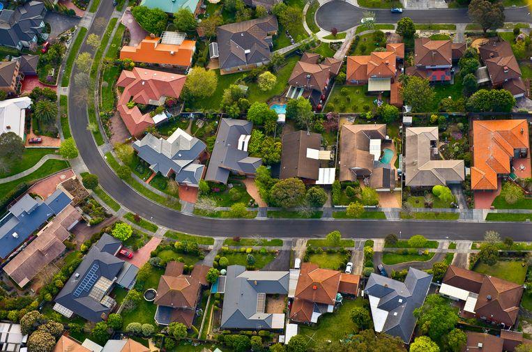 De druk van hypotheekleningen op gezinnen wordt steeds zwaarder.