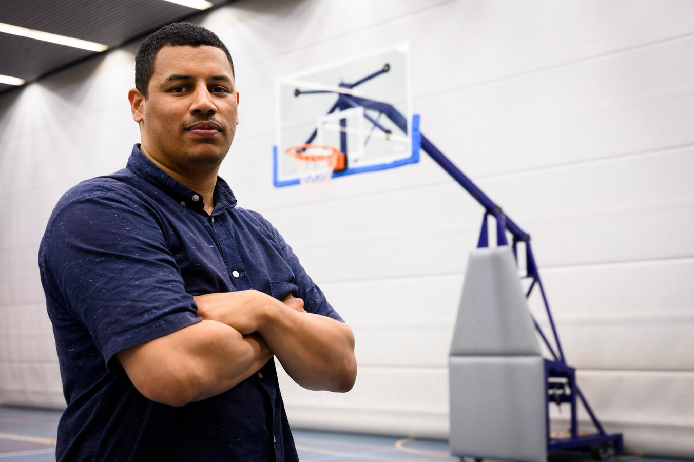 Dordtenaar Gino Ragueb is speler af en gaat - bij River Trotters - verder als basketbaltrainer.