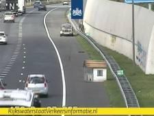 Rijkswaterstaat: 'Te Koop: knusse woning op unieke locatie, dicht bij uitvalsweg A50'