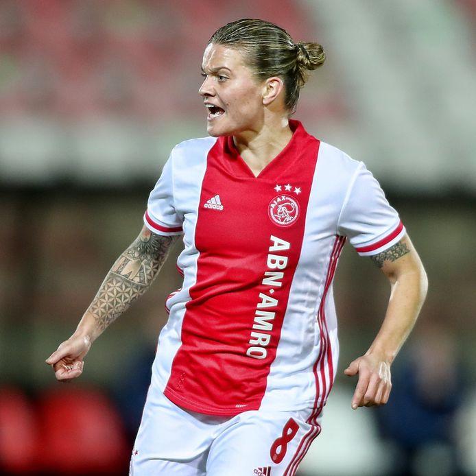Sherida Spitse in het shirt van Ajax.