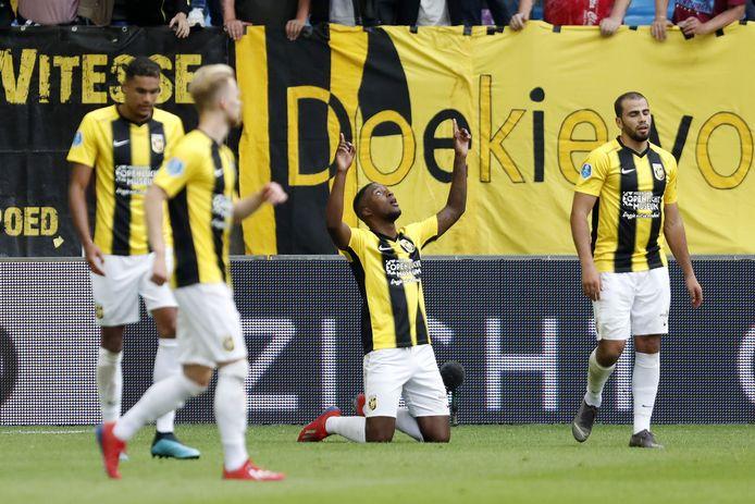 Riechedly Bazoer na zijn doelpunt tegen Ajax.