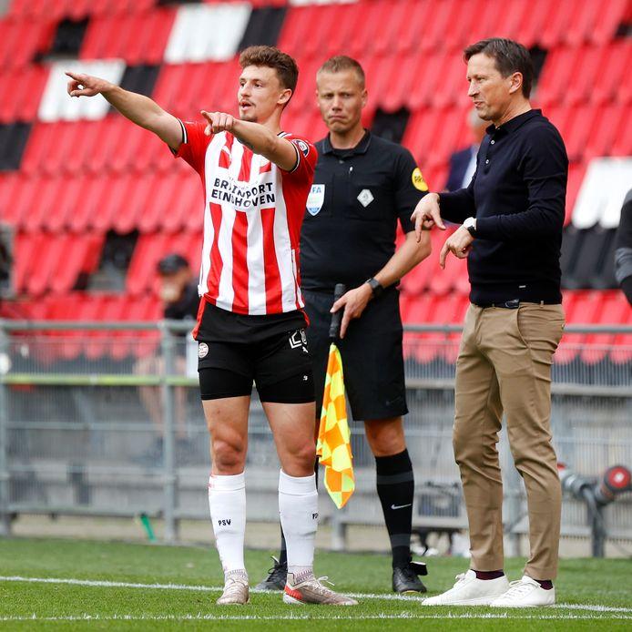 Roger Schmidt met Olivier Boscagli in het Philips Stadion.