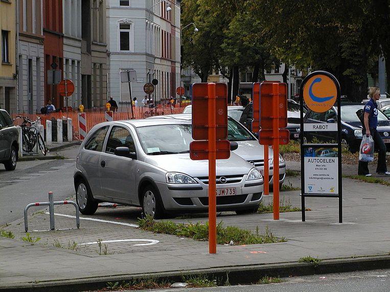 Gent stelt gratis parkeerplaatsen ter beschikking van autodeelsysteem Cambio. Beeld Wikimedia Commons/Yves Nevelsteen