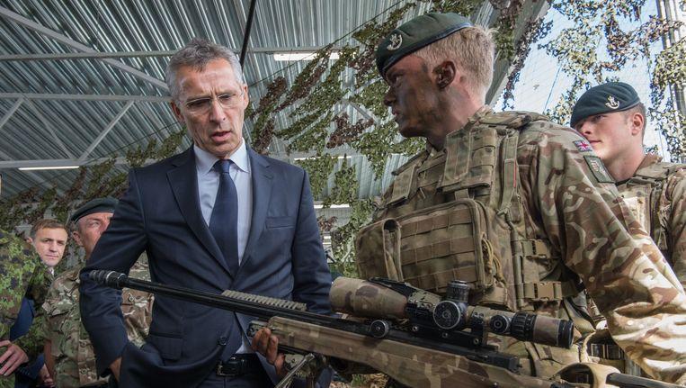 NAVO-chef Jens Stoltenberg (links). Beeld afp