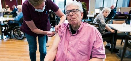 Coronavaccinatie voor bewoners De Wulverhorst: 'Ben wel bang voor corona, maar niet voor zo'n prikje'