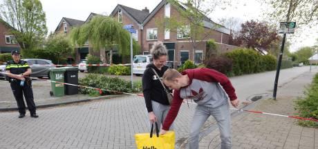 Snel babyspullen pakken in hermetisch afgesloten deel Lelystad: 'Werd bijna misselijk van de stank'